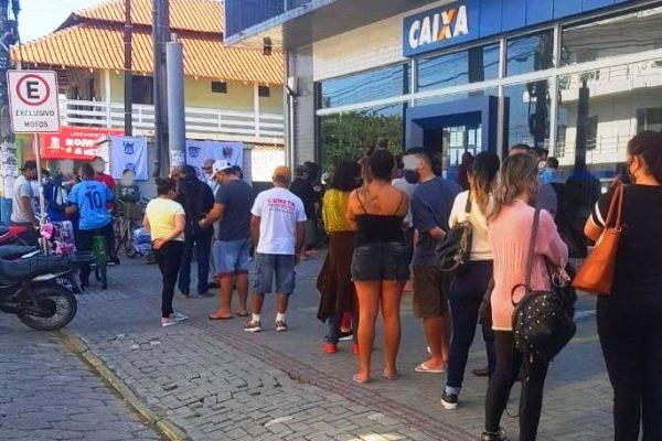 COVID-19 Defesa Civil de Navegantes, Vigilância Sanitária e Polícia Militar interditam Agência Bancária após descumprimento do Decreto Municipal